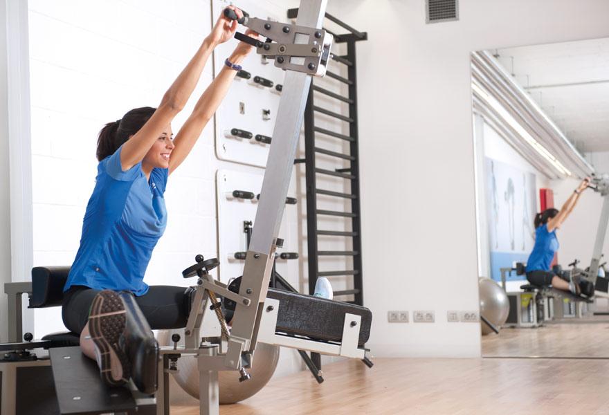 Estiramiento de la cadena muscular posterior para mejorar la flexibilidad de la espalda