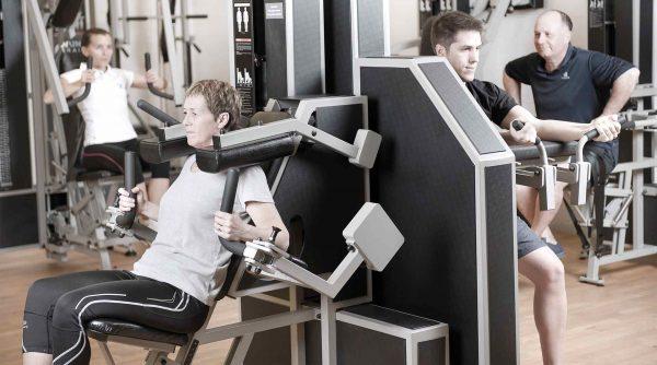 máquinas de gimnasio para entrenamiento funcional